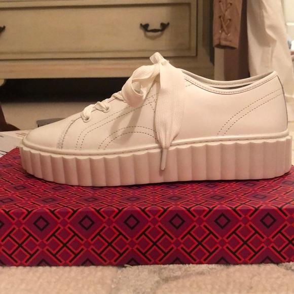 b96552d1e33f BRAND NEW Tory Burch Scallop Sneaker